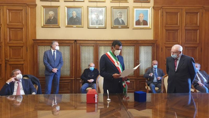 Nel giorno del suo 80 compleanno premiato il Prof. Francesco Paolo Selvaggi