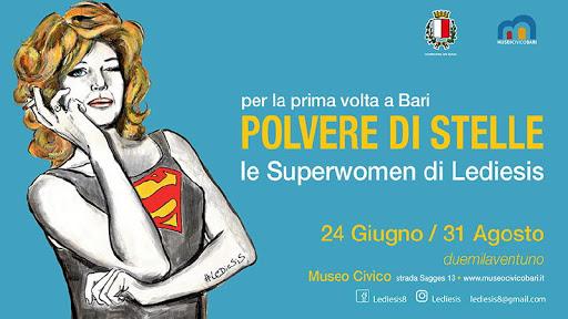 """""""Polvere di stelle"""": presentata questa mattina la mostra delle Superwomen di Lediesis in programma dal 24 giugno al 31 agosto al Museo civico"""