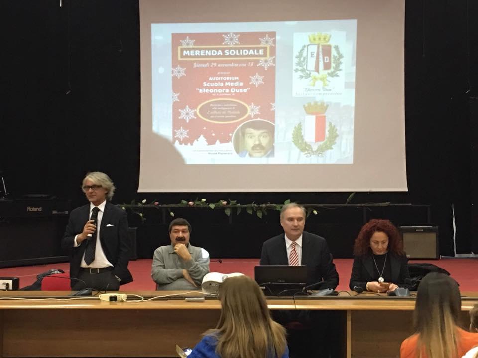 Colazione solidale alla scuola Duse per finanziare l'acquisto di due alberi di Natale
