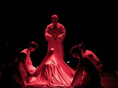 Ho dieci anni e voglio il divorzio. All'Istituto Fornelli una rappresentazione teatrale sul dramma delle spose bambine.