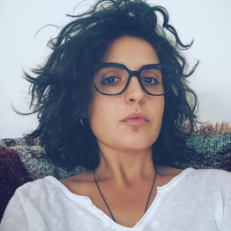 La regista Veronica Pinna porta in scena la pièce «Amelia» a Bari