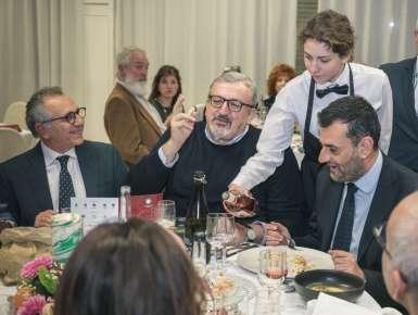 Premio ''Puglia a Tavola'' 2019 -  Tre gli chef premiati durante il Gala. Assegnati due speciali riconoscimenti  per la letteratura e l'internazionalizzazione della cucina pugliese.